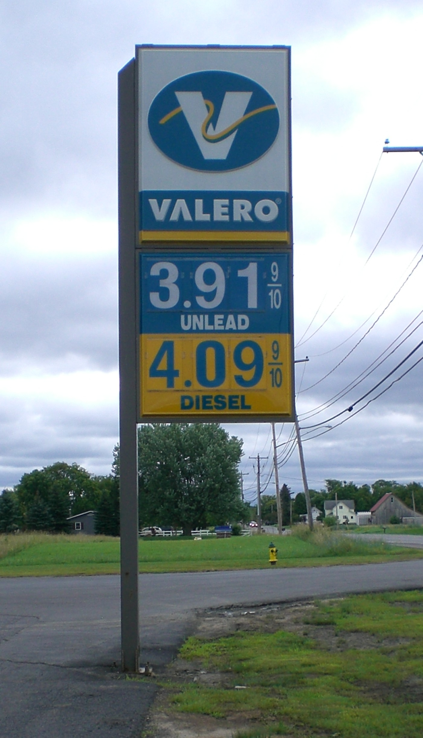 Valero Pole Sign with Changable Copy