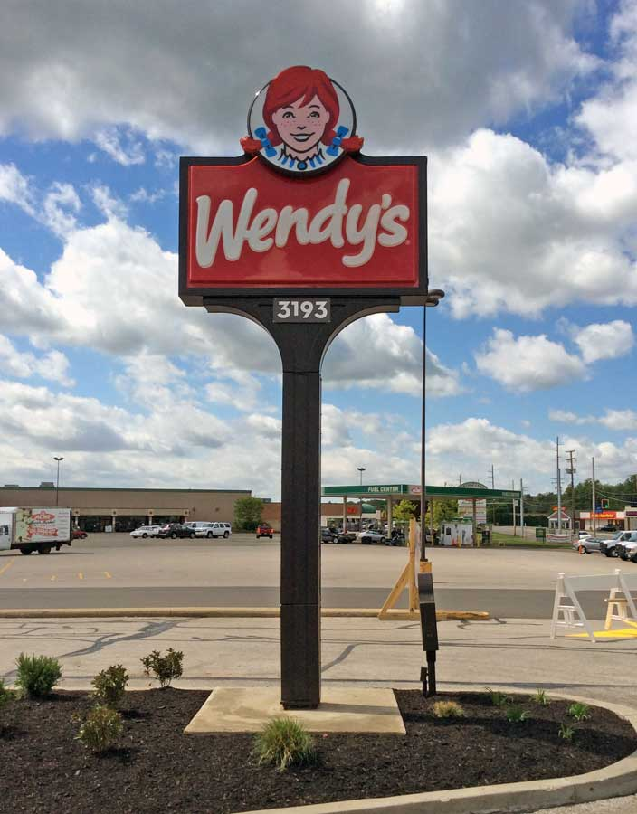 Pole Signs - Wendy's Pylon Sign - Free Standing signs